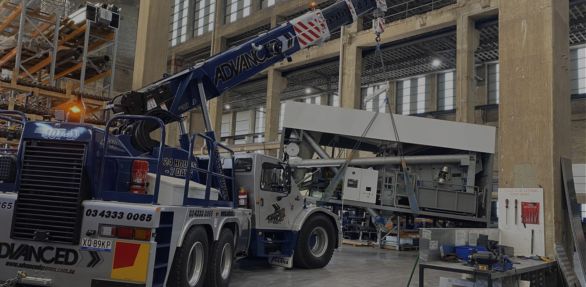 24/7 VERSATILE LIFTING SOLUTIONS